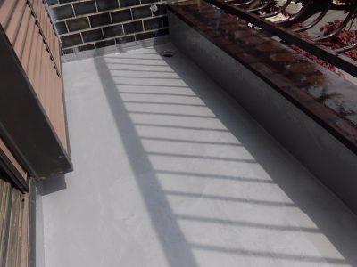 川崎市宮前区でベランダ床のウレタン防水